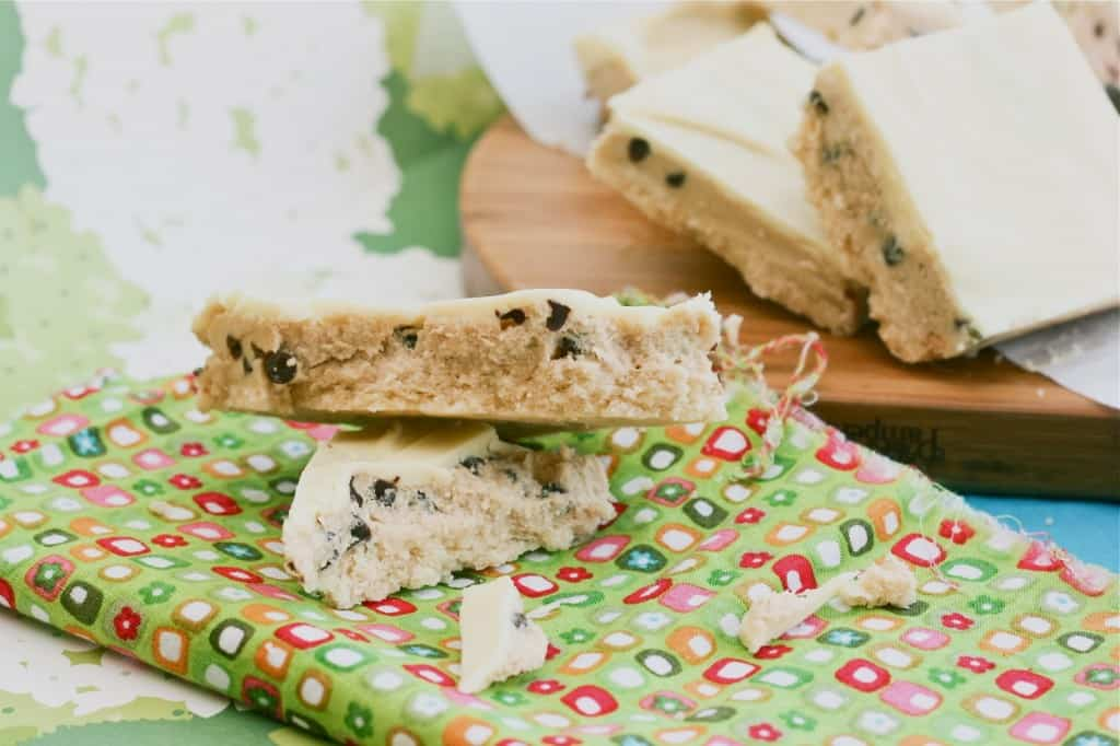 Chocolate+Chip+Cookie+Dough+Shortbread+Bars-2
