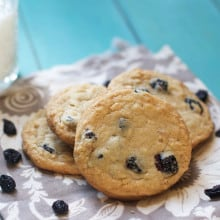 {Milk Bar Mondays} Blueberries & Cream Cookies