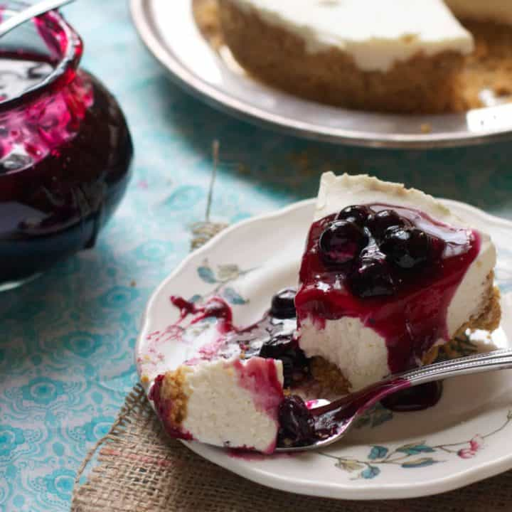 No-bake Cheesecake with Quick Blueberry Sauce