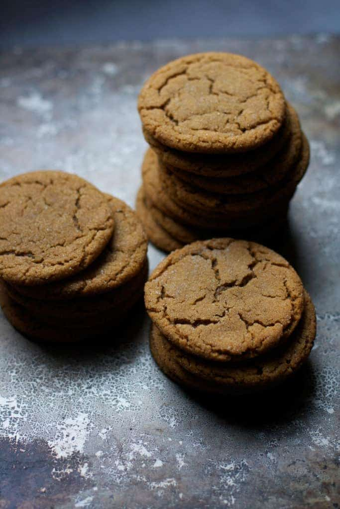 Easy Molasses Crinkle Cookies