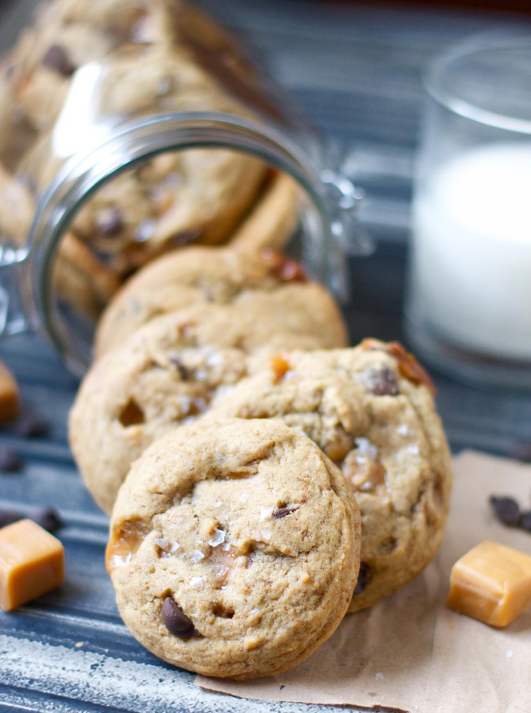 dark choc caramel cookies2