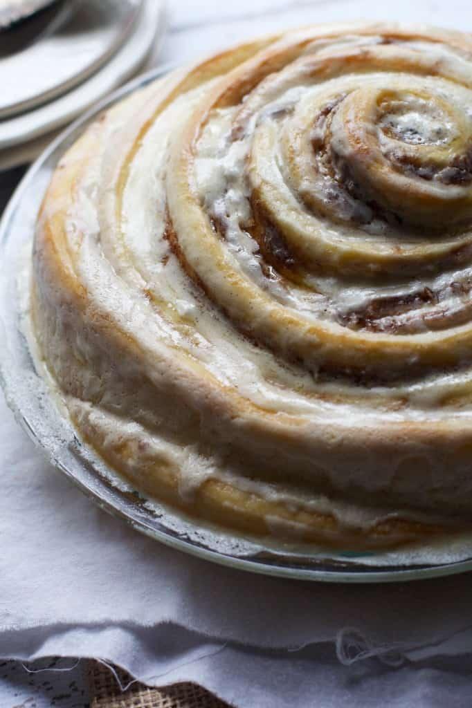 Cinnamon-Roll-Cake-2-682x1024