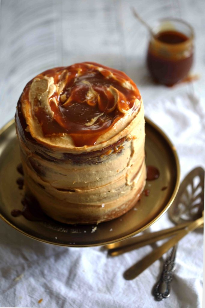 Pumpkin Salted Caramel Layer Cake- a showstopping #thanksgiving dessert! #pumpkin #saltedcaramel