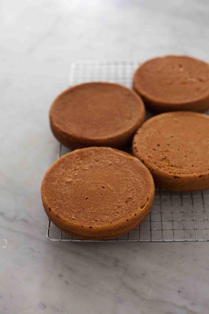 Pumpkin Salted Caramel Layer Cake- a showstopping #thanksgiving dessert! #pumpkin #saltedcaramel